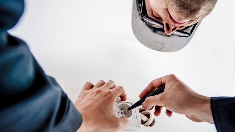 Electrical Wiring Safety – Out With The Old And In With The New