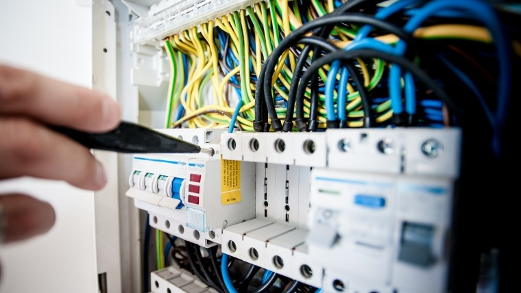 Warning Signs of an Emergency Electrical Issue